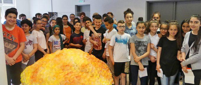 Les collégiens du Wolf font vivre le système solaire à Mulhouse