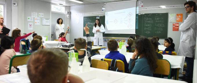 Quand la chimie s'invite à l'école primaire