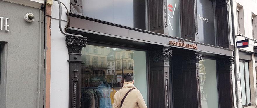 9ab2e3a956255 Prêt-à-porter féminin. Ouverte au 45, avenue Clemenceau, à deux pas de la  place de la République, la boutique Confidences propose des vêtements pour  femmes ...