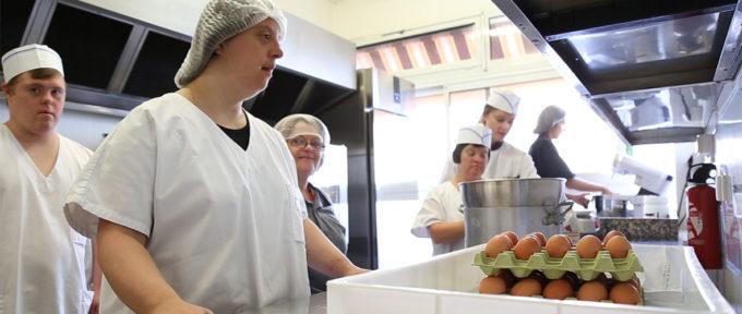 [VIDEO] Trisomie 21 : dans les cuisines du restaurant «Un petit truc en plus»