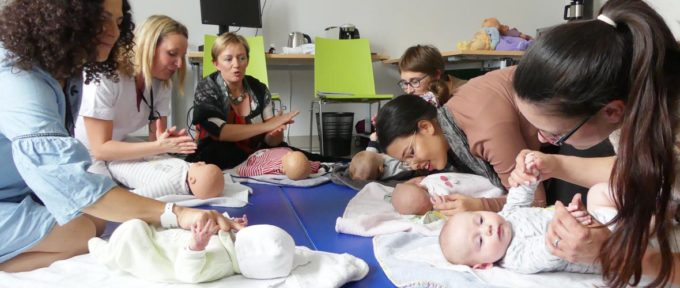 Bébés: leur bien-être par le massage