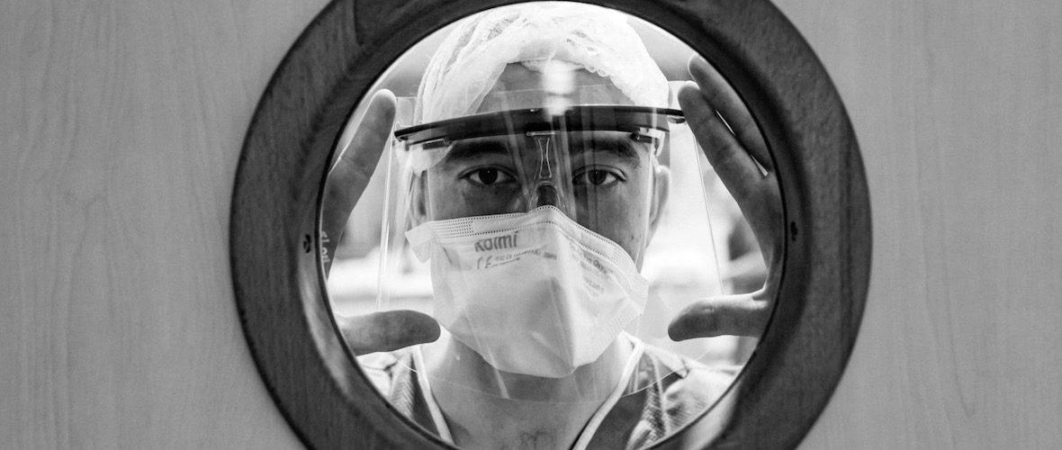 Infirmière et photographe : la lutte contre le coronavirus vue de l'intérieur | M+ Mulhouse