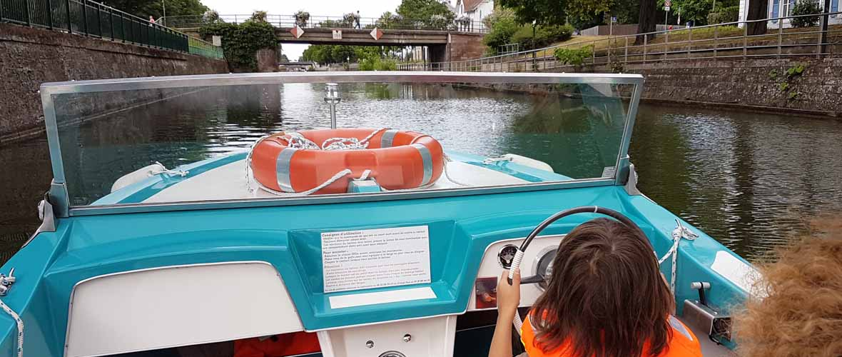 En bateau sur le canal du Rhône au Rhin