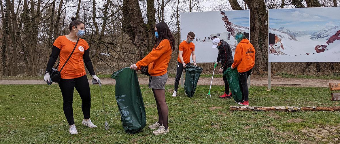 Opération nettoyage pour une cinquantaine de jeunes | M+ Mulhouse