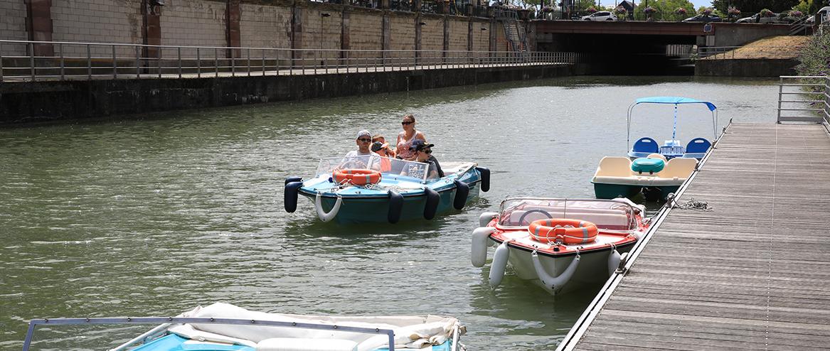 En bateau électrique ou en paddle