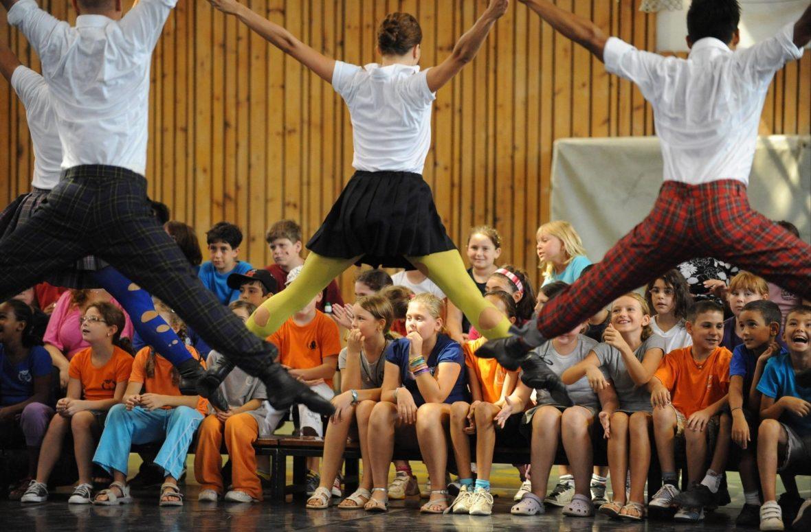 Kamuyot - CCN • Ballet de l'OnR – chorégraphie Ohad Naharin